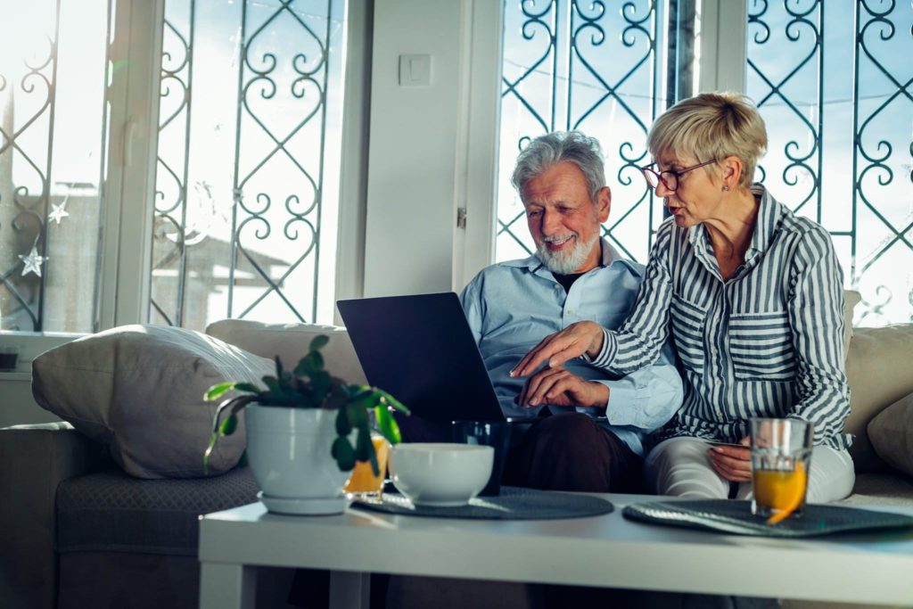 couple planning funeral insurance